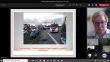 """Pani Małgorzata Świeboda z WITD w Rzeszowie podczas prelekcji na temat """"Czynniki mogące powodować wypadki w transporcie drogowym oraz przewozie osób- studium przypadków""""."""